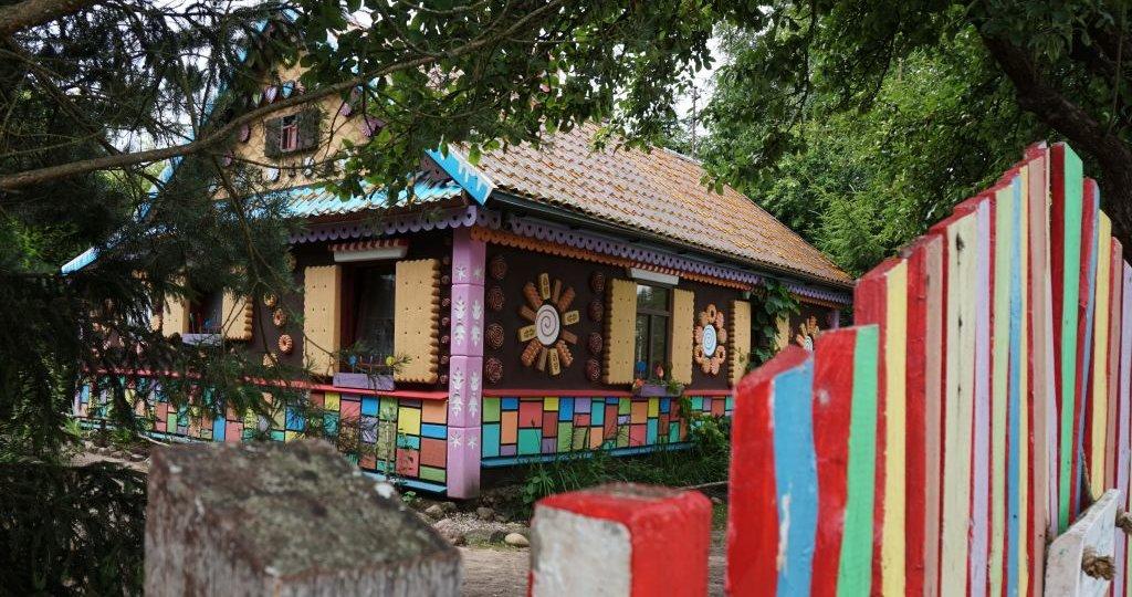 Miejsca związane z literatura dziecięcą - Chatka Baby Jagi, Białowieża