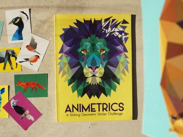 ANIMETRICS - wyjątkowa książka z naklejkami