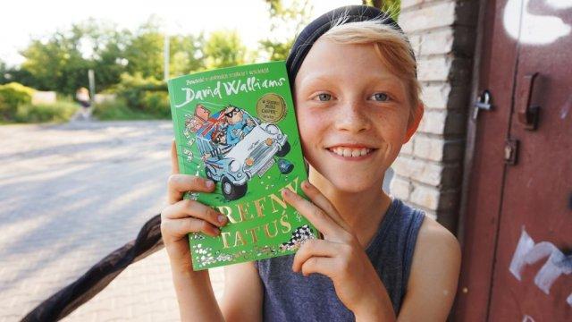 Trefny tatuś - zwariowana powieść Walliamsa na wakacje