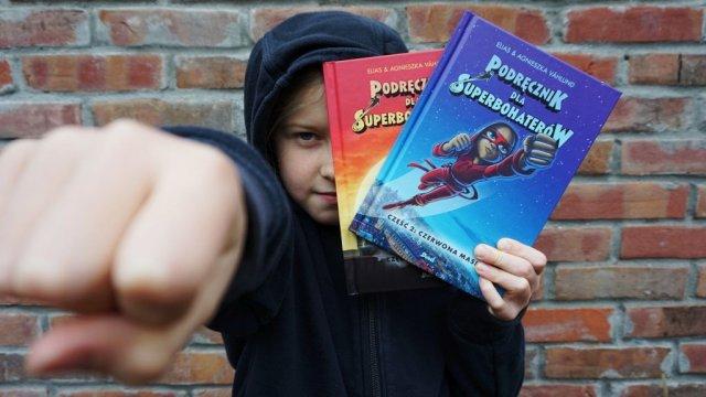 Podręcznik dla Superbohaterów 2 - komiksy o przemocy szkolnej