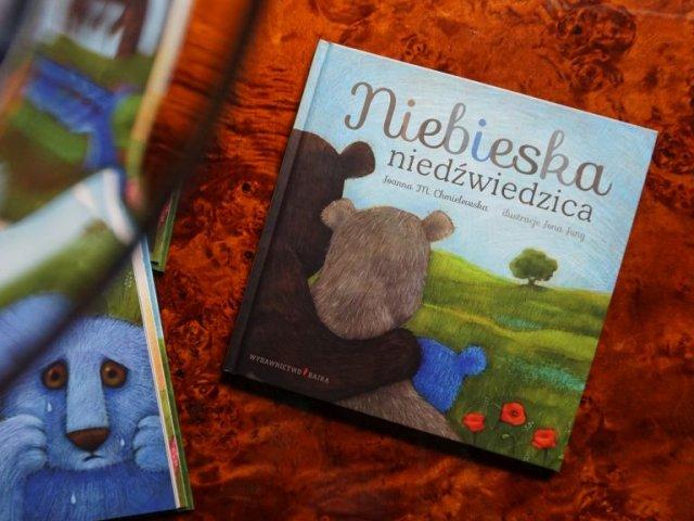 Niebieska niedźwiedzica - książka dla dzieci o tolerancji i różnorodności
